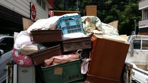 広島市内で学習机、タンス等回収の写真