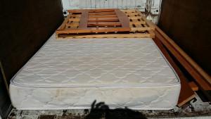 広島市中区でベッド回収ご依頼の回収写真