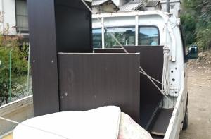 広島市中区で布団、学習机回収の黒田様回収品