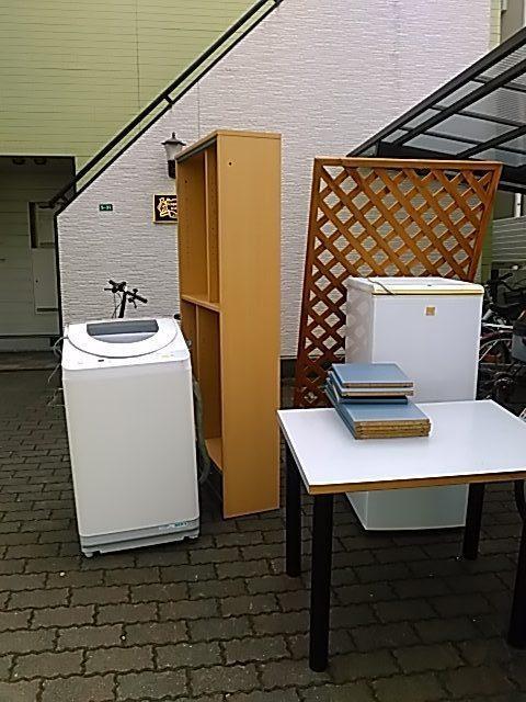 福山市南本庄で冷蔵庫、洗濯機、本棚などの不用品回収 施工事例紹介