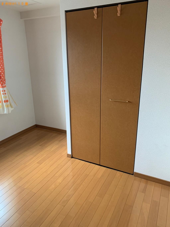 【広島市】スタンドミラー、本棚、タンス、ソファー、椅子等の回収