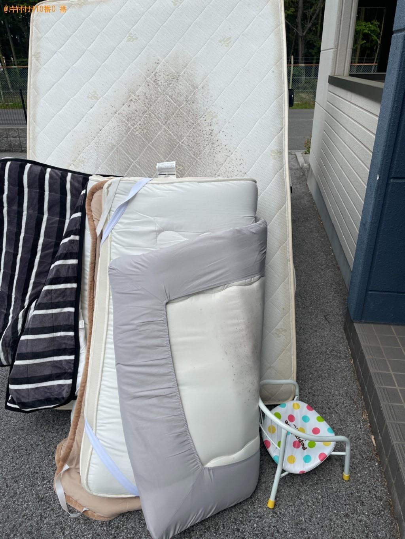 【広島市】パイプ椅子、セミダブルマットレス、布団の回収・処分